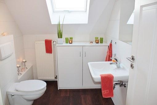szafki łazienkowe podwieszane
