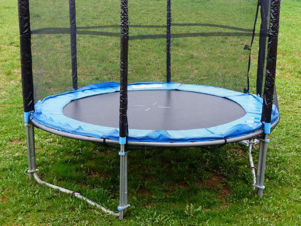 duże trampoliny dla dzieci